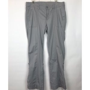 The North Face gray casual pants w/ roll tabs 444